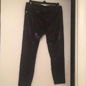 Fabletics Pants - Fabletics Salar Capri Printed Powerhold Leggings